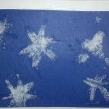 den Modrá-bílá sněhové vločky